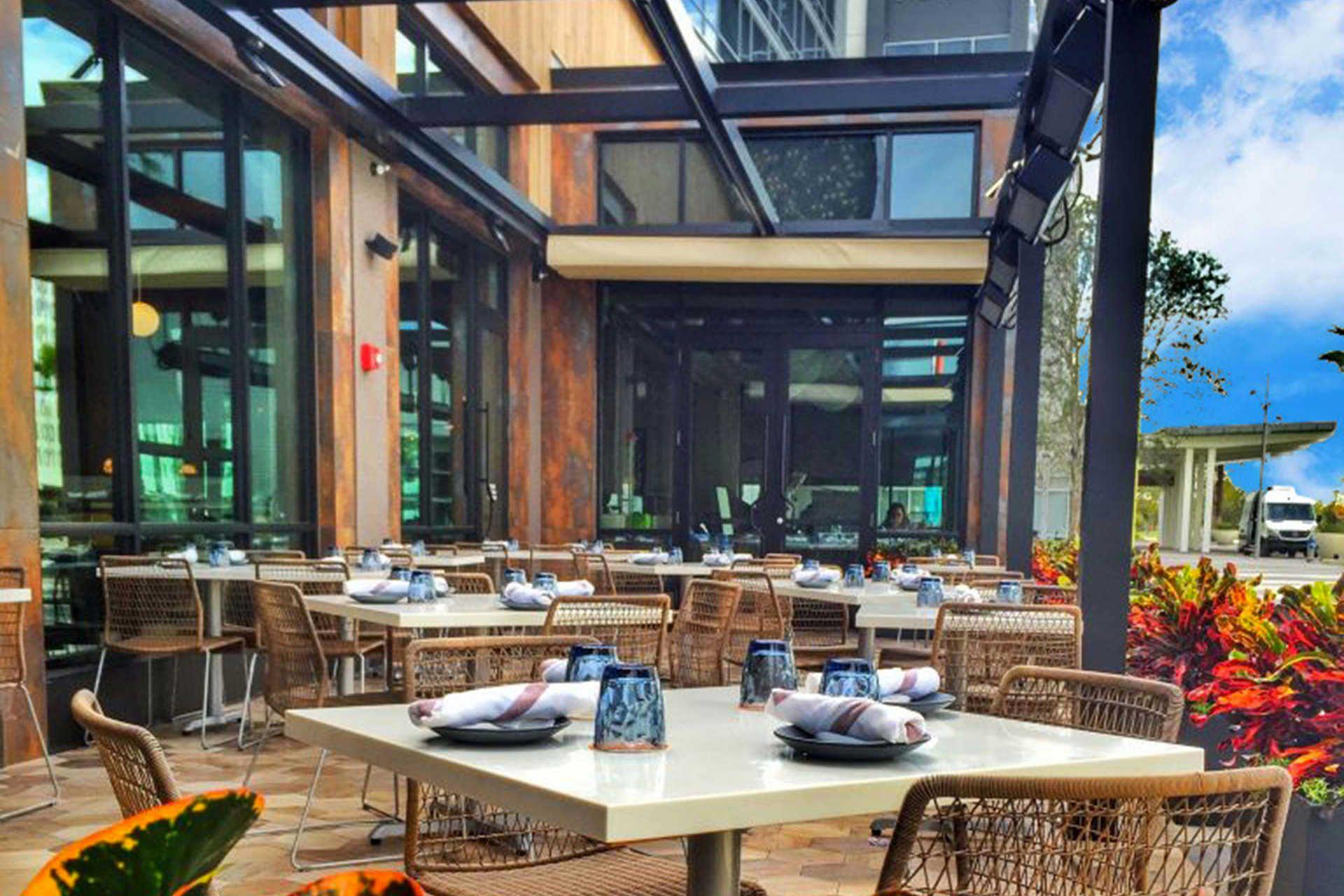 Serving Guests A Modern American Menu Chroma Modern Kitchen Bar Offers Patrons A Big City Flair In Lake Nona Wit Modern Bar Modern Kitchen Bar Kitchen Bar