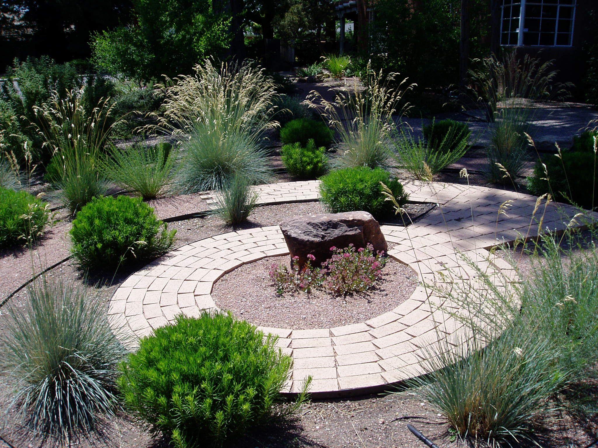 Circular xeric garden | Water wise landscaping, Water wise ...