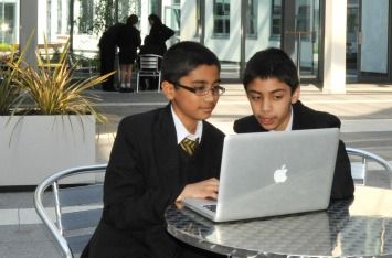 How A British School Successfully Integrated Technology - Edudemic