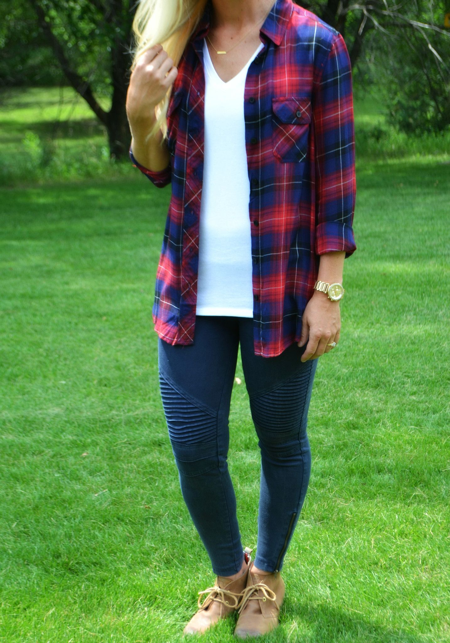 Dress up flannel shirt   Rayon Great fit Model Measurements Height u