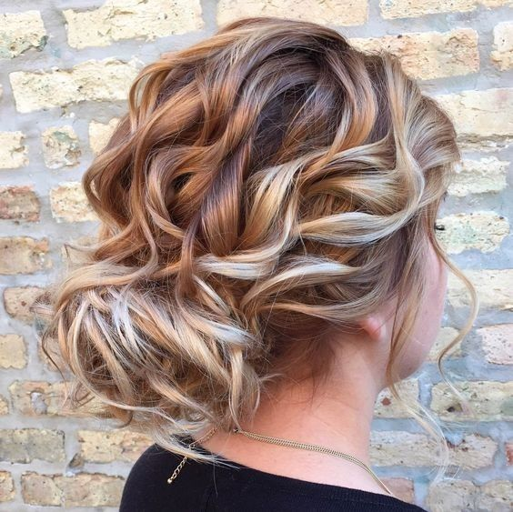 Loose Curly Updo Is Perfect For A Wedding Prom Or Any Other Formal Occasion Hair Styles Loose Curly Updo Long Hair Styles