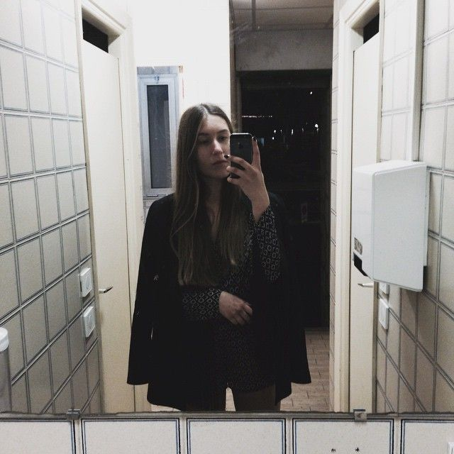 Fontvieille These Public Bathroom Tiles Reminded Me Of That Futuristic Balenciaga Campaign So Do Not Judge For Taking A Selfie Iwasactuallydrunk By