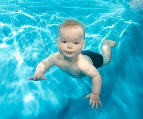 Arthur b bristol underwater baby swimming photography toddler swimming photographs 3 month old baby swimming pool