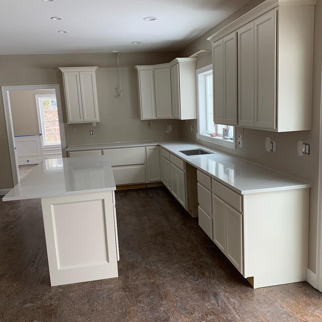 Brand new 2019 quartz color called Calacatta Trevi  Kitchen