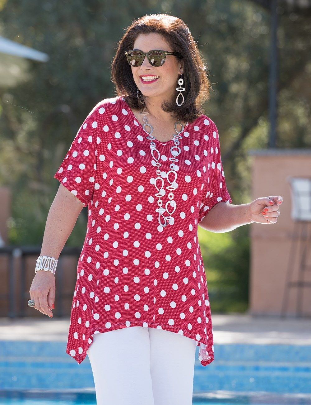 Kasbah red, navy or taupe jersey spot t shirt   Blusas e moldes ...