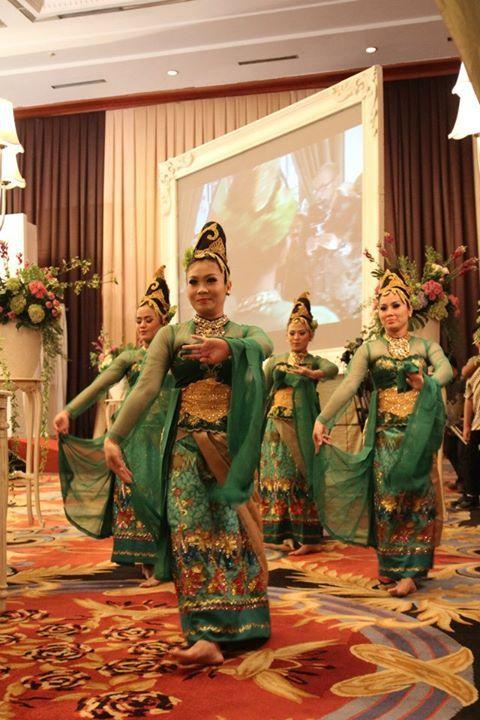 Baju Tradisional Jawa Barat