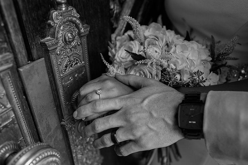 Brian & Elysha / Utah Wedding Photographer » Summer Taylor  Photography / Salt Lake Temple Doors