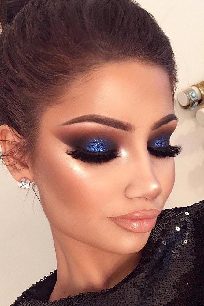 Fine Makeups 2018 #bluegorgeousmakeup Natural Makeup, Blue Glitter Eye Makeup, Blue Eyeshadow Makeup