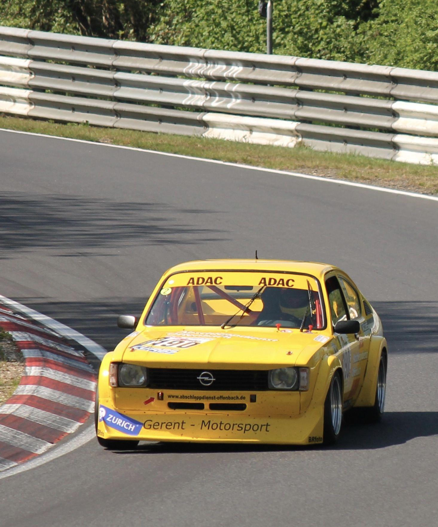 Opel Kadett C Coupé Klassische Wagen im Renneinsatz