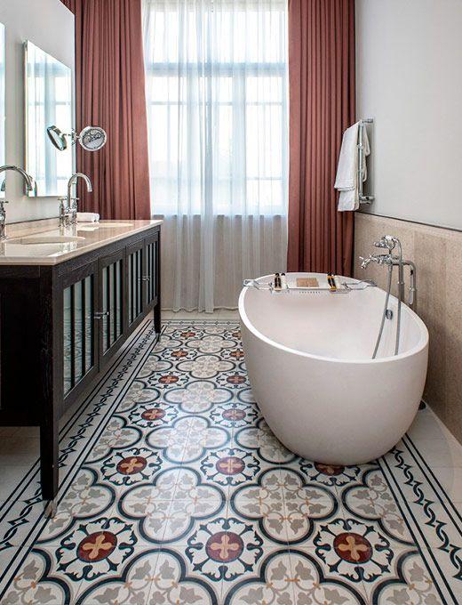 Badezimmer Dekorieren Ideen Zement Fliesenboden Freistehende Wanne. Os  Achados | Décor | Azulejos De Cimento