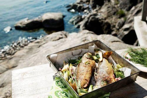 K-ruokakaupoissa on monipuolisesti tarjolla myös paikallisten kalastajien tuotteita.