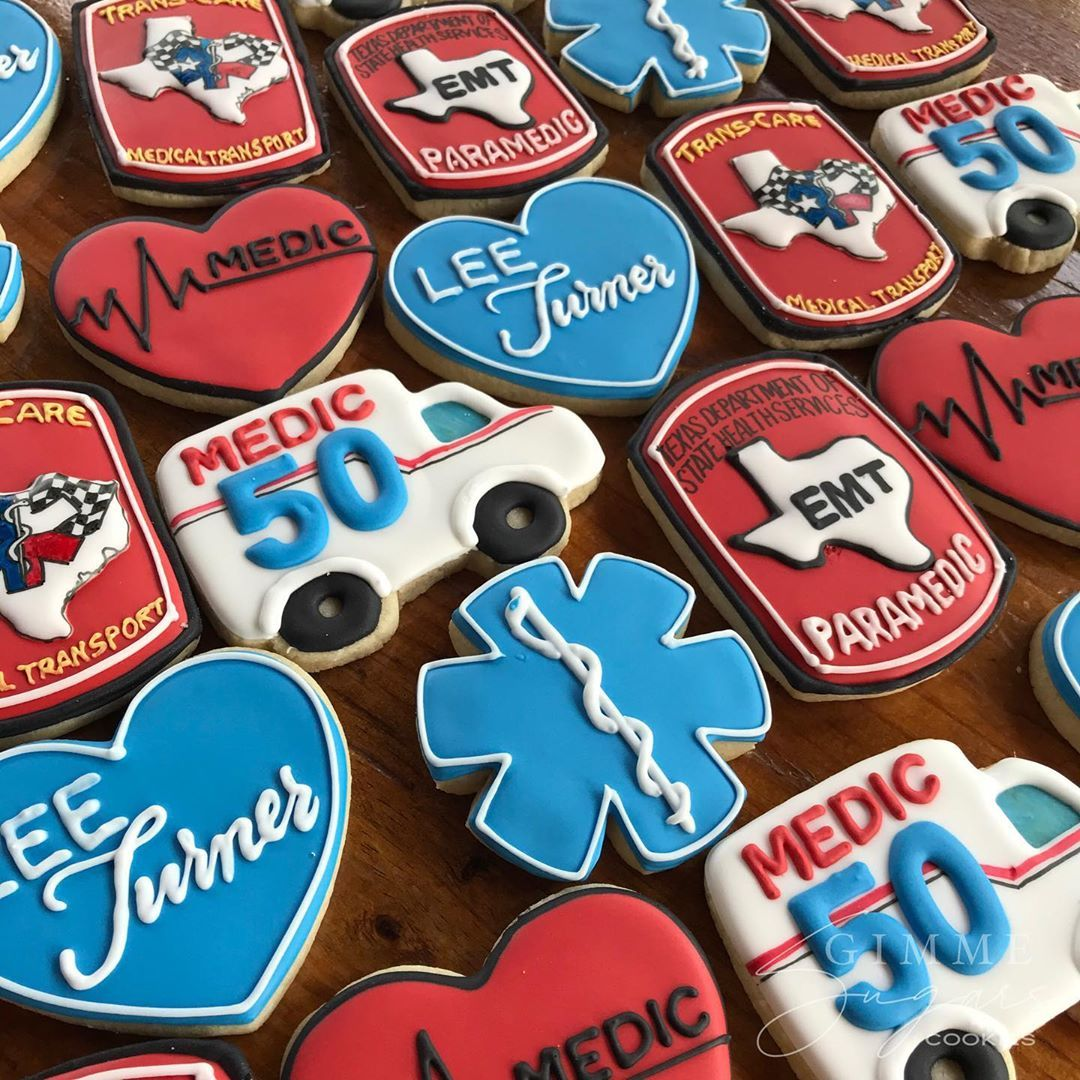 "Gimme Sugars Cookies on Instagram: ""🚑🚑🚑 . . . #medic #emt #mediccookies #emtcookies #ambulancecookies #cookies #sugarcookies #decoratedsugarcookies #decoratedcookies…"""