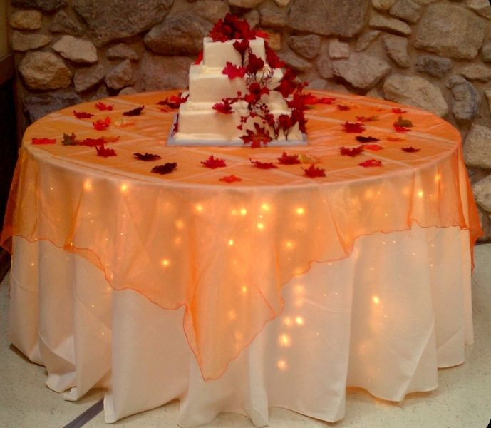 Fall Wedding Ideas Table Decorations: Fall Decor For Cake Table!