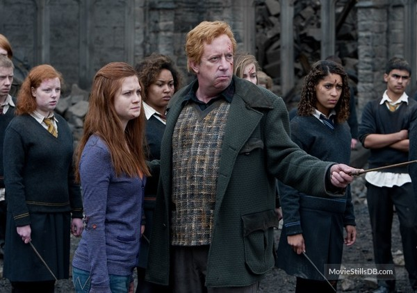 Harry Potter And The Deathly Hallows Part Ii Publicity Still Of Bonnie Wright Mark Williams Harry Potter Ginny Harry Potter Quiz Ginny Weasley