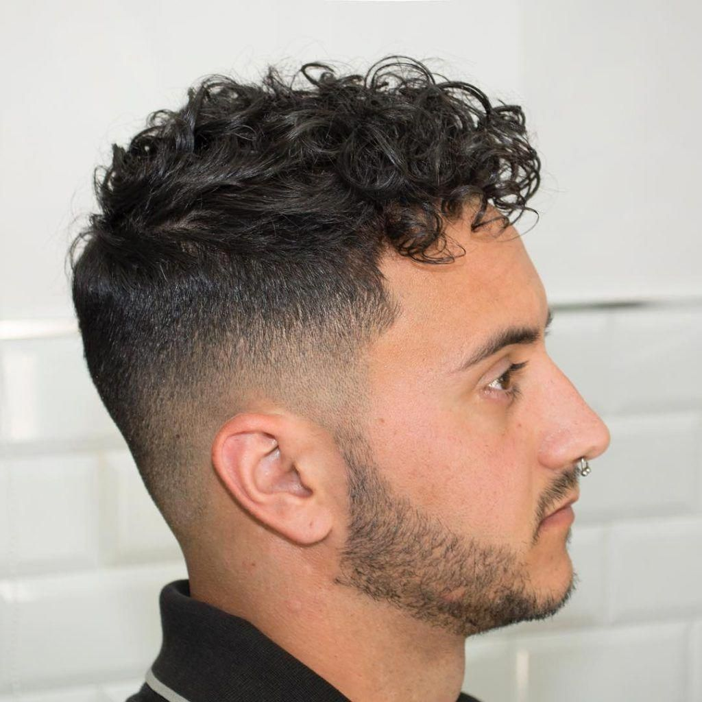 Haircuts For Men With Curly Hair High Fade With Curly Hairstyles 1024 1024 Menshaircutideas Curly Hair Men Haircuts For Curly Hair Mens Hairstyles Pompadour