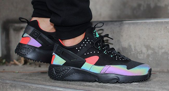 wholesale dealer d0229 ed211 Nike Air Huarache Utility PRM Hologram