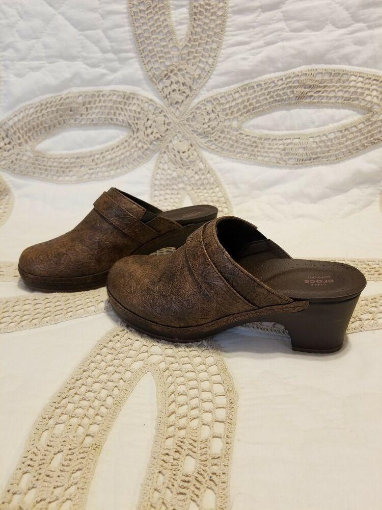 110ba9a6adf2d9 Crocs triple comfort Sarah Tooled heel Clogs Size W7 203911 brown  fashion   clothing