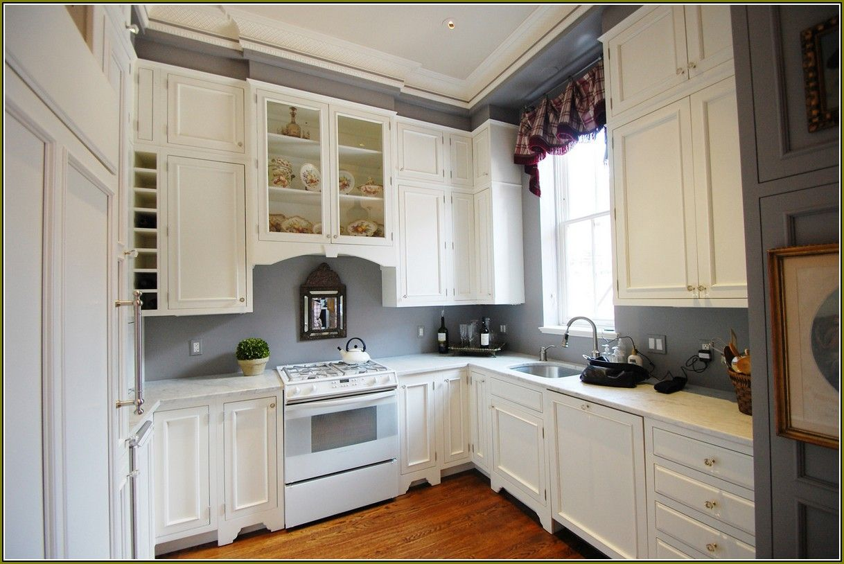 Download Wallpaper White Kitchen Cupboards And Grey Walls