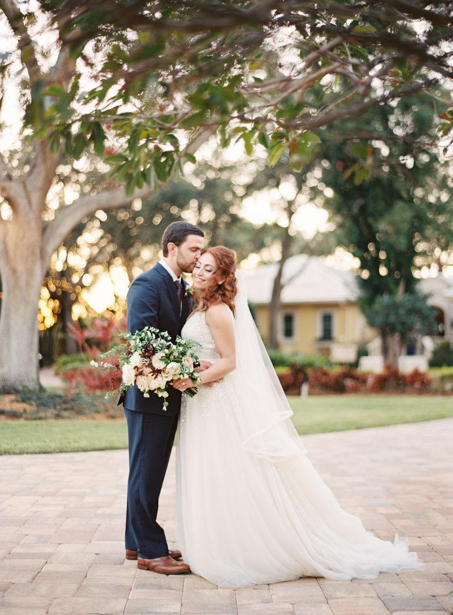 Photography : Justin DeMutiis Photography | Wedding Dress : Inbal Dror Read More on SMP:…