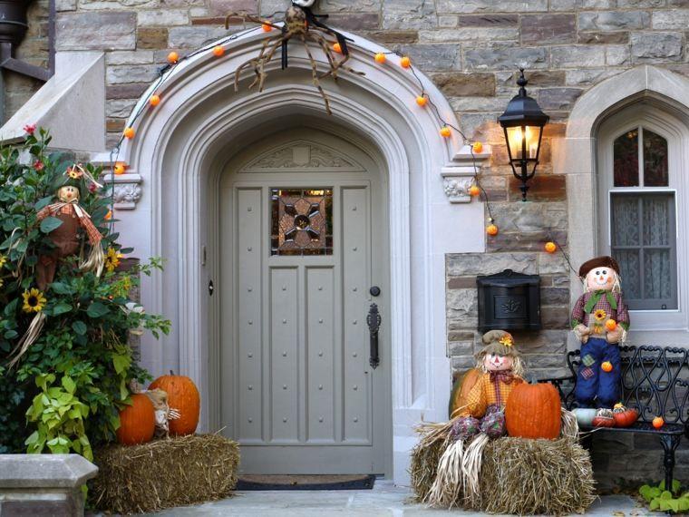 décoration halloween maison extérieur porte guirlande lumineuse citrouilles