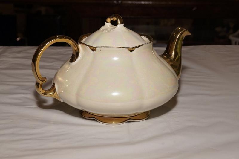 Vintage Ellgreave Burslem England Lusterware Tea Pot Tea