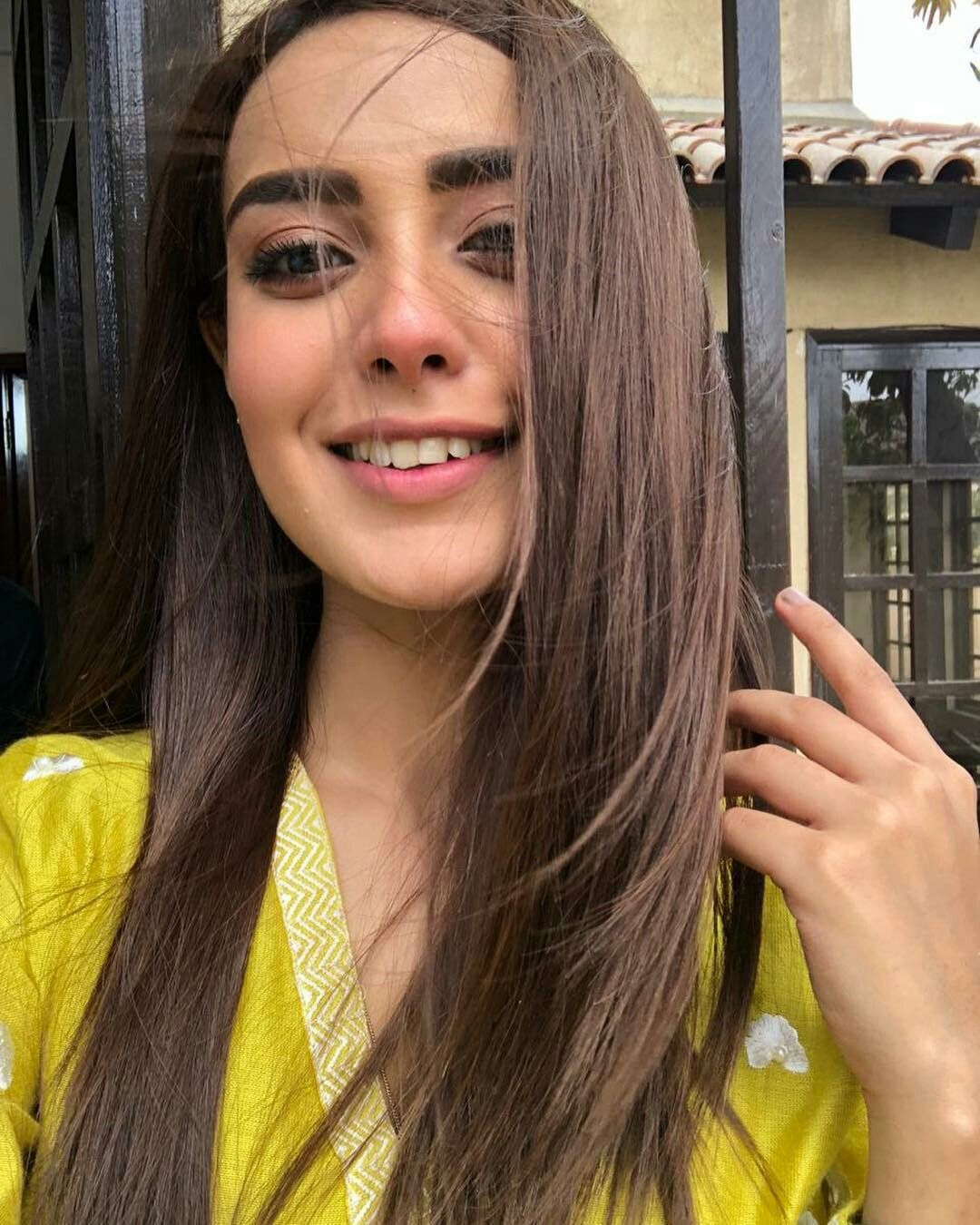 Pin by Asma Mujeer ∞ on Celebrities in 2019 | Iqra aziz