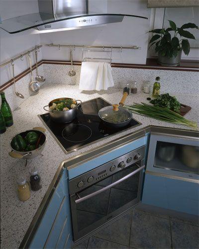 угловые кухни в углу духовой шкаф фото модель адаптирована сложным