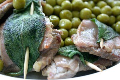 I saltimbocca alla romana come suggerisce anche il nome for Cucina tipica romana