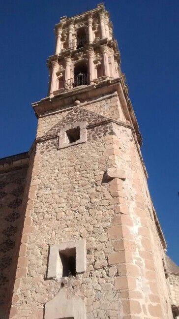 Reloj de sol, en la iglesia de Parras,Chih
