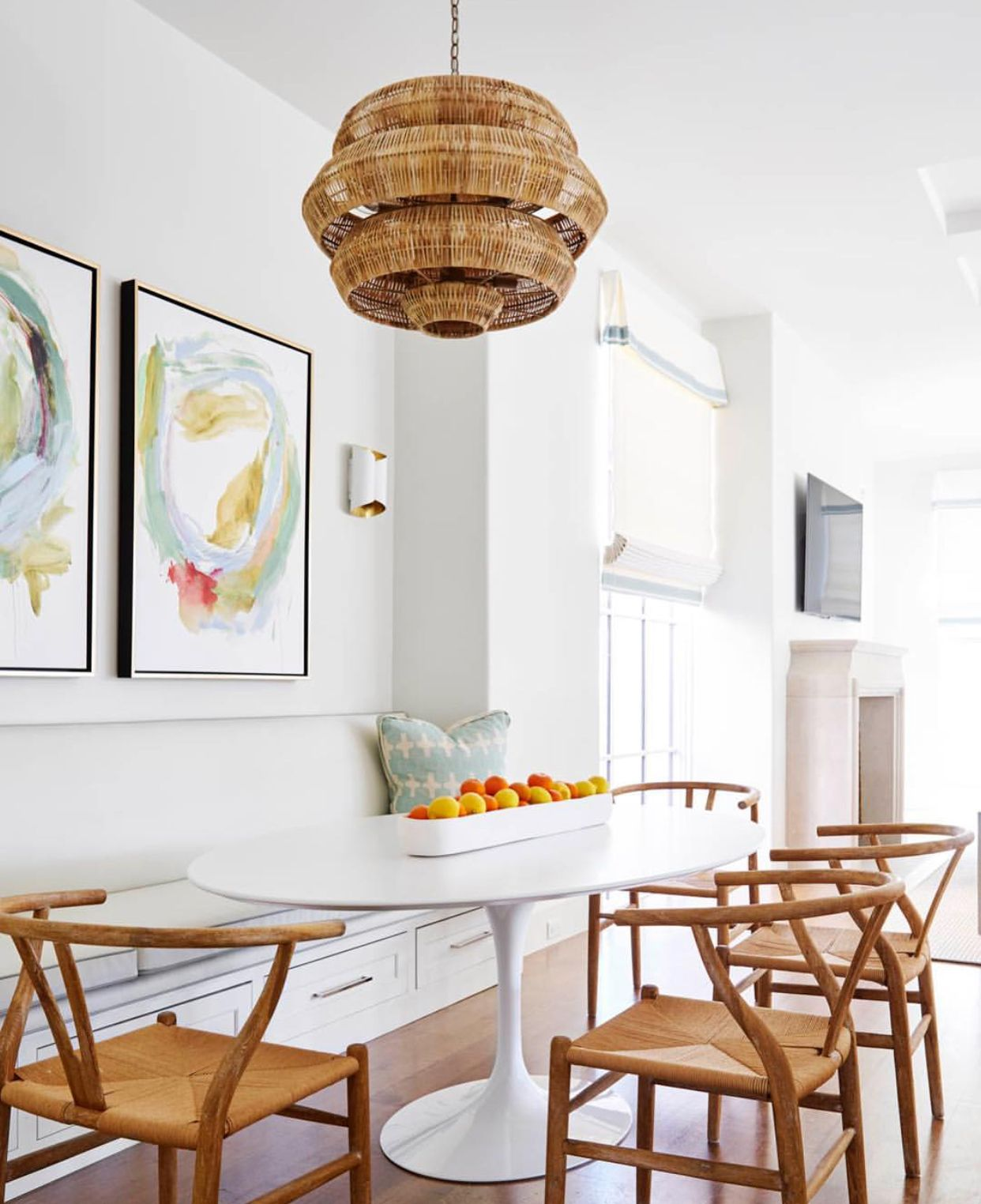 In Love Interiordesign Interiordecor Cactus Paradiseheals Homeboard Livingroomdecor Livingroom Beautiful Dining Rooms Oval Table Dining Dining Room Design