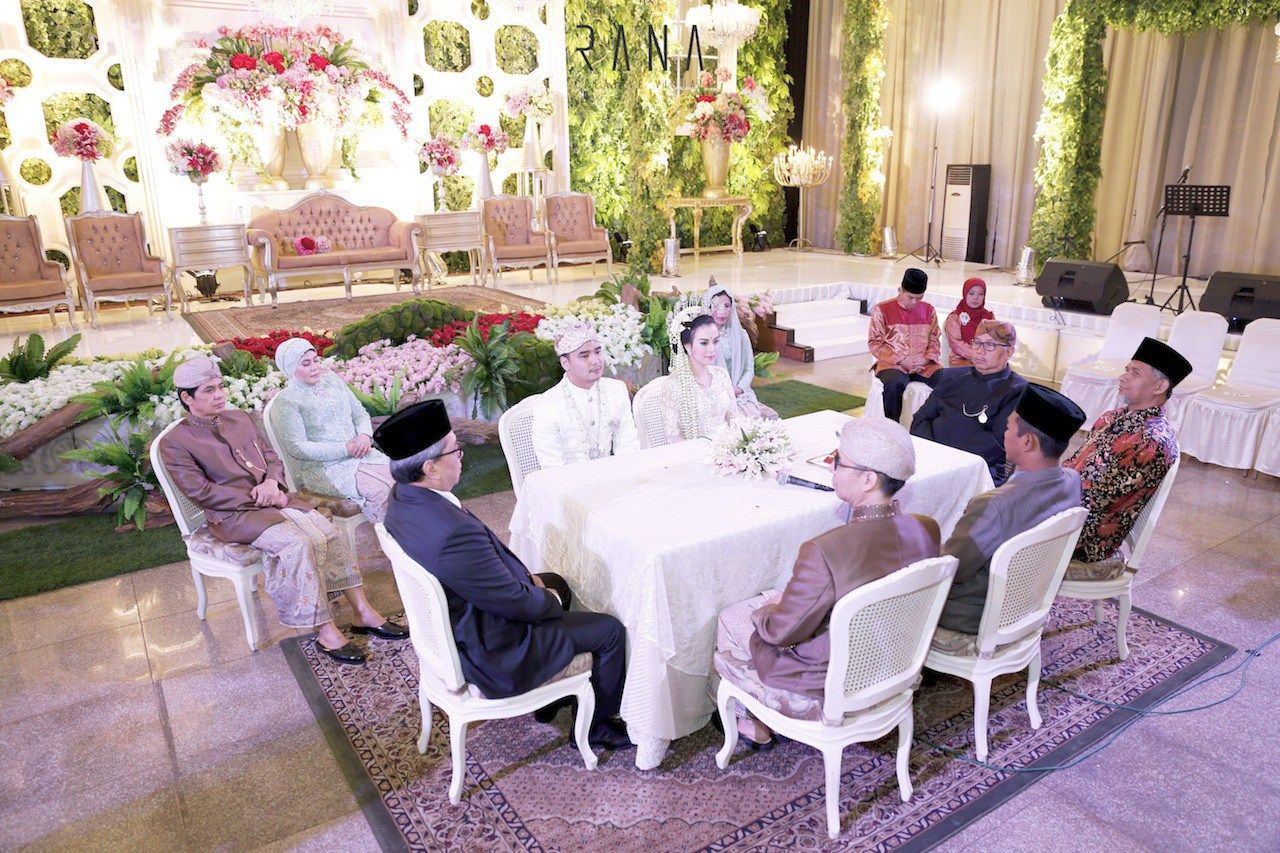Pernikahan adat sunda alissa dan gerry di bandung al mathari pernikahan adat sunda alissa dan gerry di bandung junglespirit Images