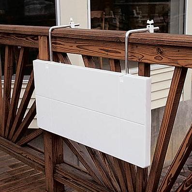 Ideas veraniegas para balcones peque os - Mesa colgante para balcon ...