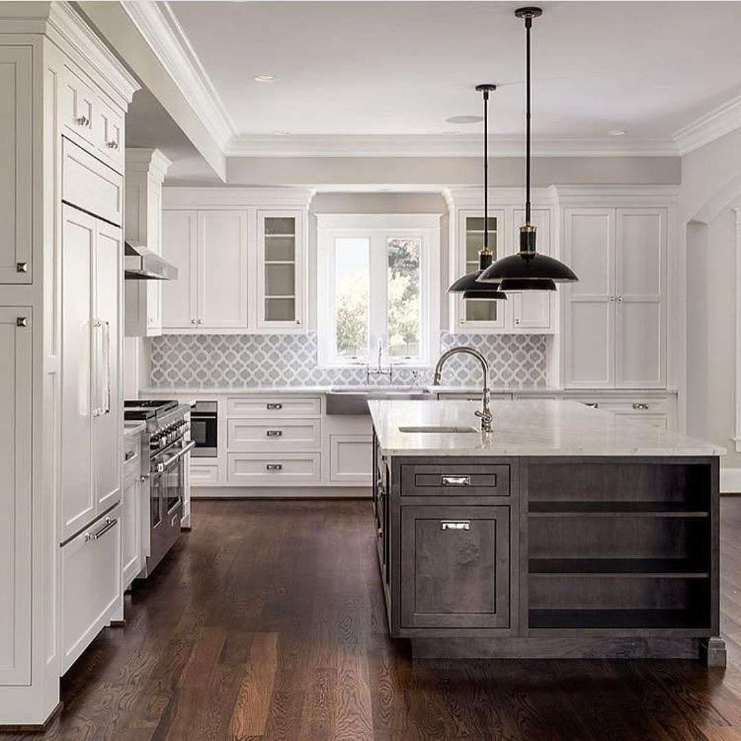 5 Large Kitchen Set Style Tips If Small Is Not The Choice Kitchen Backsplash Designs Luxury Kitchens Kitchen Plans
