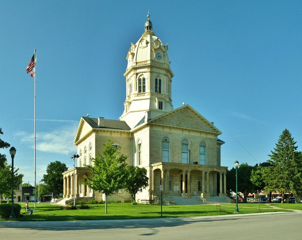 The Madison County Courthouse In Winterset Iowa Visited With Susan B Anthony Here During The Covered Bridge Fest Winterset Iowa Iowa Farms Madison County