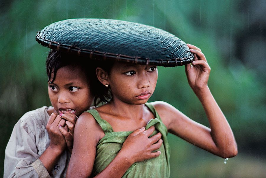 INDONESIA, photo by Steve McCurry