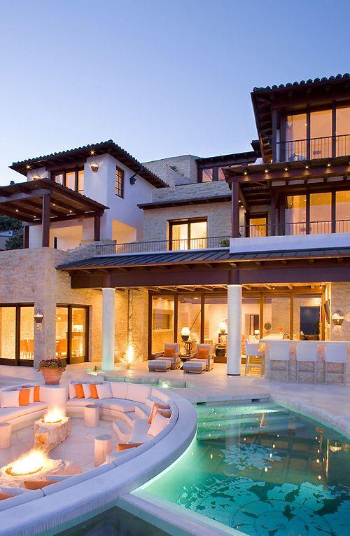 Mediterranean Villa Architecturia ??b? Architecture