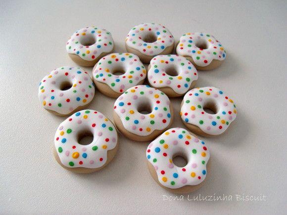 Aplique donuts modelado em biscuit