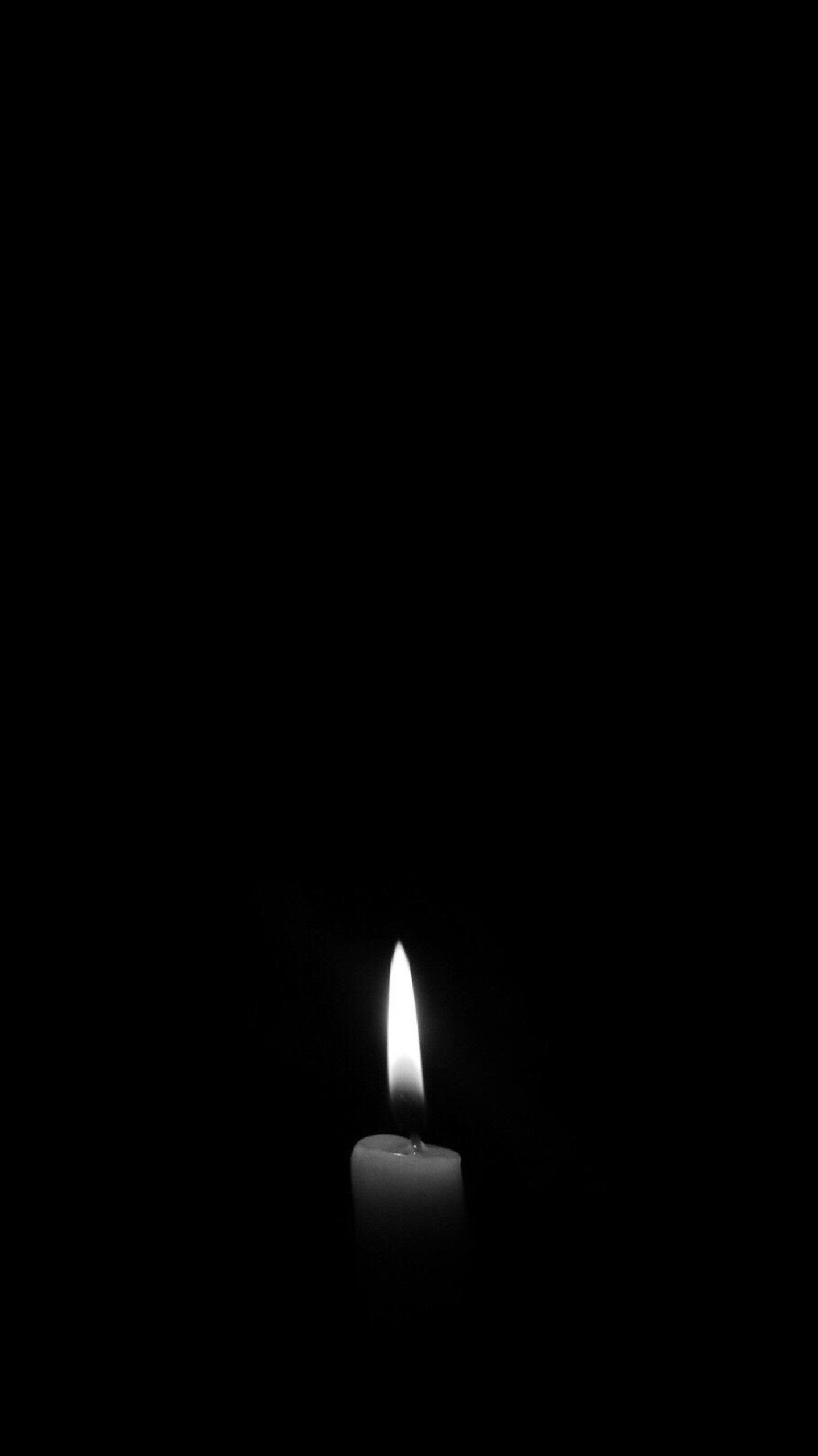 Candle Dark Monochrome Hd Photography Wallpapers Photos And Pictures Candles Wallpaper Black Background Wallpaper Photography Wallpaper