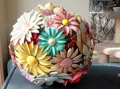 995f4f144d0 Repurpose: Vintage enamel pin bouquet... | vintage junk | Brooch ...