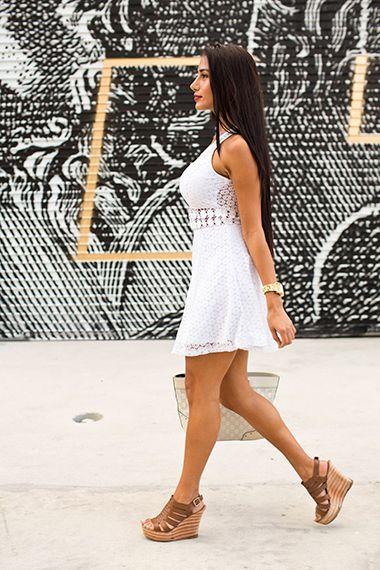 """""""Me encanta tener mi cabello suelto porque hace ver a la mujer sexy."""" —Daniela Fernandez, student #GLAMBellezaLatina #Pelo #Hair #Miami"""