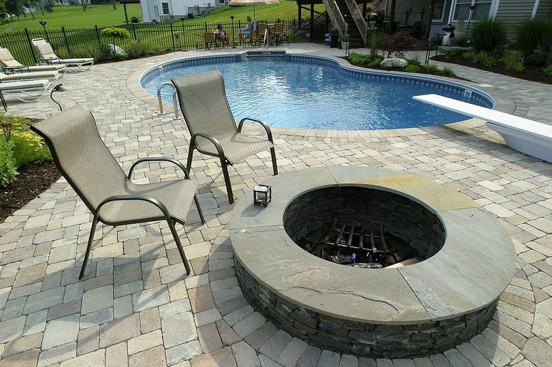 Backyard Oasis - OTTAWA PATIO AND STONE DESIGN