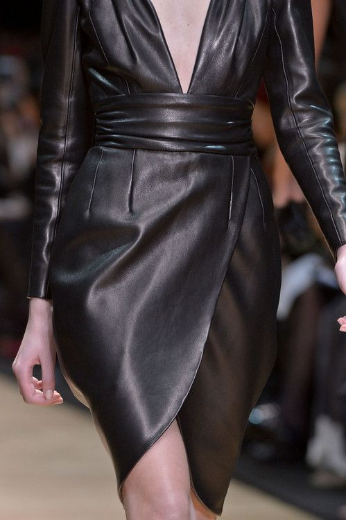 Guy Laroche Fall 2013 RTW. This is so divine! Black leather is super sexy.