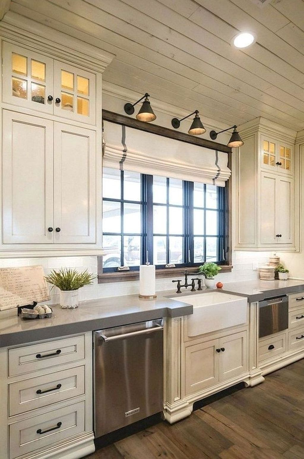 50 Amazing Remodeling Farmhouse Kitchen Decorations - SWEETYHOMEE #farmhousekitchencountertops