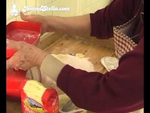 Crostata di mele con crema pasticcera - YouTube