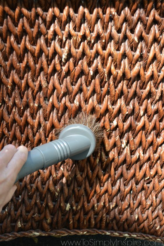 How To Paint Wicker Furniture With A Brush2