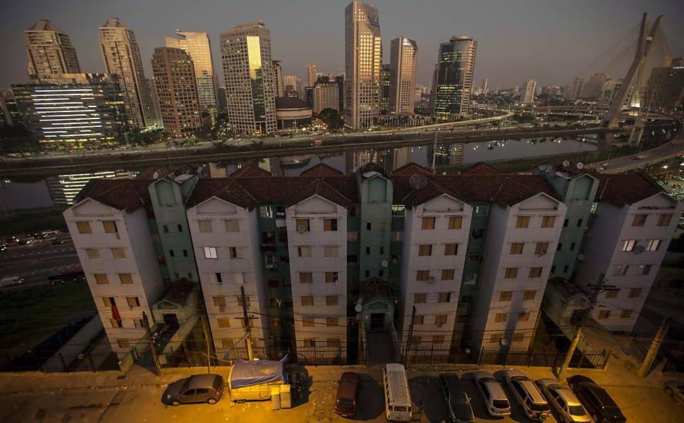 Morador pobre de bairro rico vai até a favela para fazer compras - 02/08/2015 - Cotidiano - Folha de S.Paulo