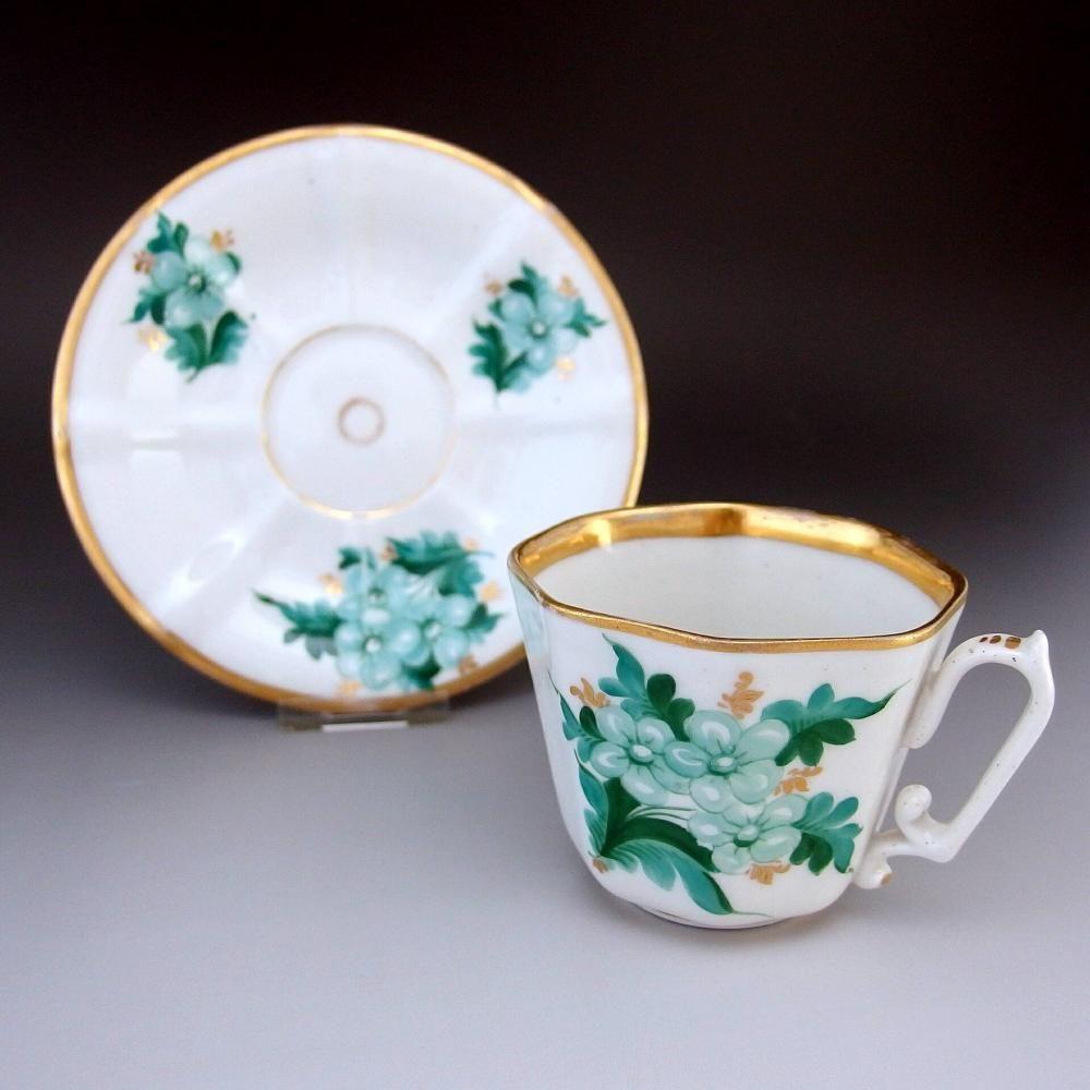 KPM (ベルリン王立磁器製陶所)『緑の花』 1837-1844年頃のカップ&ソーサーです。       ↓ http://eikokuantiques.com/?pid=89172065   #英国アンティークス #KPM #ベルリン王立磁器製陶所 #カップ