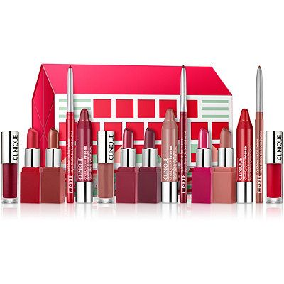 OMG. Gotta have this: Clinique Ultimate Lip Roll Out Set