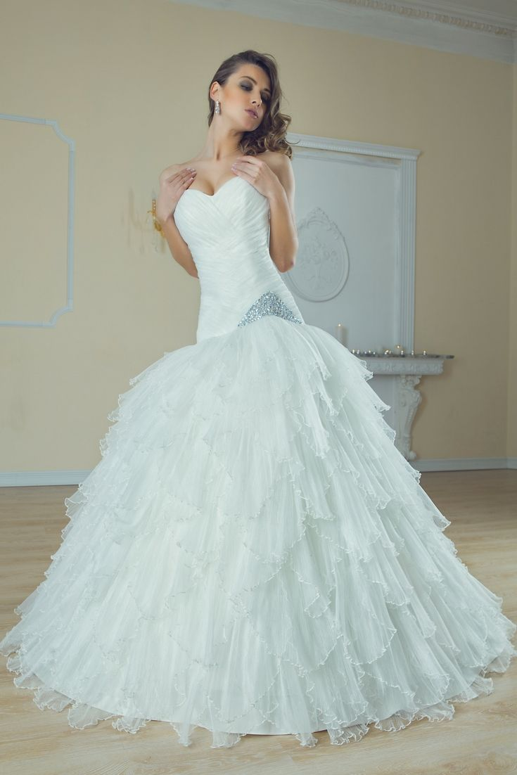 Try to get inspirations for your current wedding dress with our huge