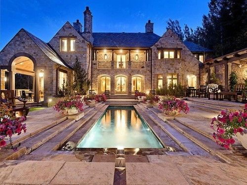Need To Win The Lottery To Have This Big House And Outdoor Space Mansions Gorgeous Houses Country Mansion